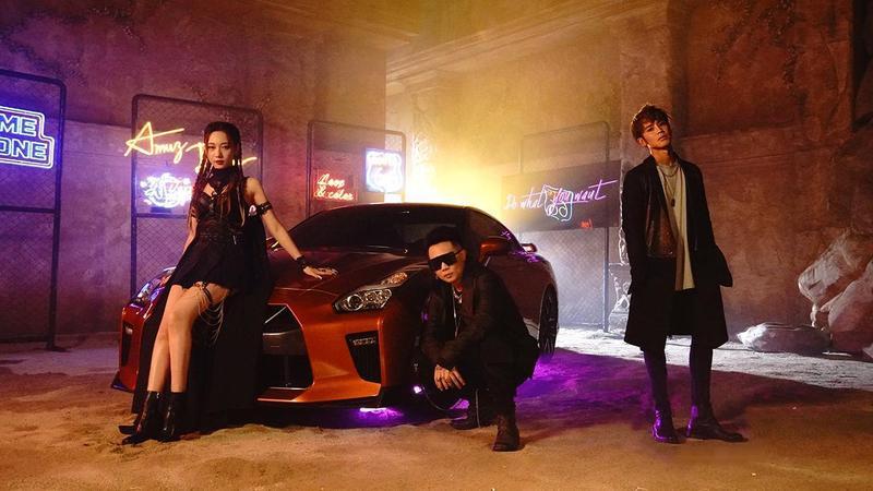 Julia吳卓源(左)、蕭秉治(中)、鼓鼓呂思緯(右)。圖/相信音樂提供