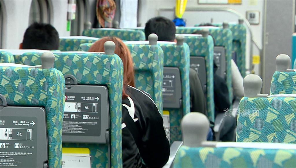 為防端午連假後疫情再升溫,原本預計返鄉的民眾紛紛退票,截至今天為止,雙鐵和客運退票達到4萬多張。圖/台視新聞(資料畫面)