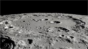 NASA里程碑!月球太陽照射區發現存在水