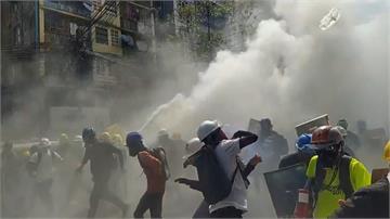 醫護遭毆、記者被捕 緬甸版天安門逾54死