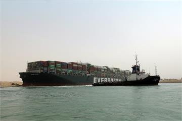 長賜輪擱淺Day5 船隻卡卡航運費用漲翻
