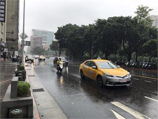 熱帶氣壓來襲!2縣市大雨特報 南部防局部地區大雨