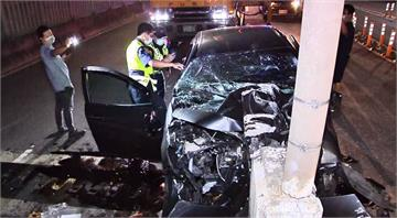 凌晨男子開車行經百齡橋 自撞路中匝道送醫不治