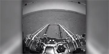 中國祝融號成功回傳火星照片 NASA祝賀