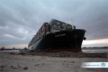 埃及總統顧問:蘇伊士運河可望今天恢復通行