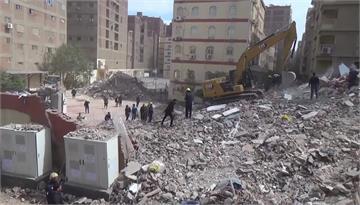 埃及10層樓住宅倒塌變廢墟 釀18死24傷