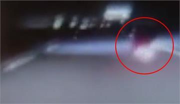 7旬婦騎電動車誤闖國道 遭貨車撞推百米亡