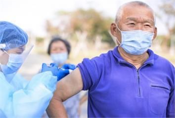 首批AZ疫苗即將完成封緘! 指揮中心一張圖列「不...