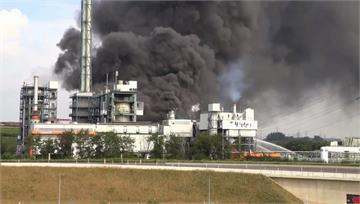 德國勒沃庫森化工廠爆炸冒黑煙 怕毒氣擴散一度發危...
