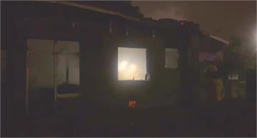 天冷街友點蠟燭取暖 2棟房子慘遭祝融之災