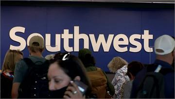西南航空取消2千架航班 驚傳因「內部問題」