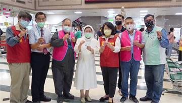 趕在開學前! 嘉義市國中小教職員接種疫苗