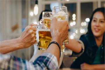 出現7徵狀你可能已經「酒精成癮」了!  一天超過...