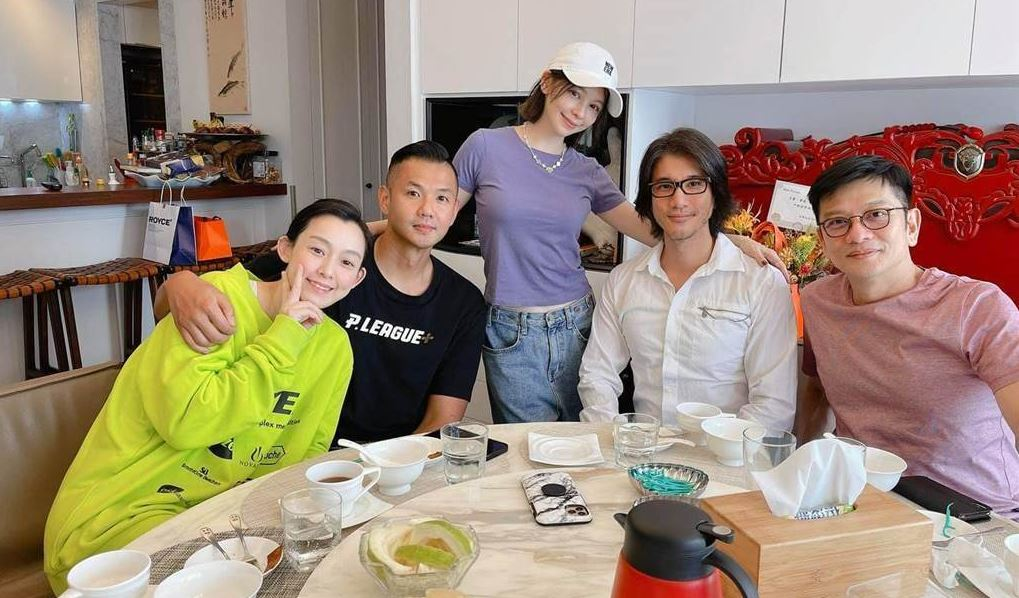 王力宏在自主健康管理期間與徐若瑄、黑人等好友聚餐,違反防疫規定。圖/翻攝自徐若瑄IG