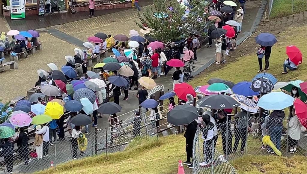 國慶連假,南投清境農場、大崙山觀光區擠滿人潮。圖/台視新聞