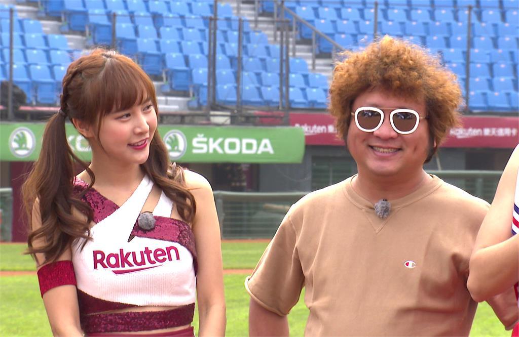 納豆(右)再度成「選秀冠軍」樂不可支。圖:台視