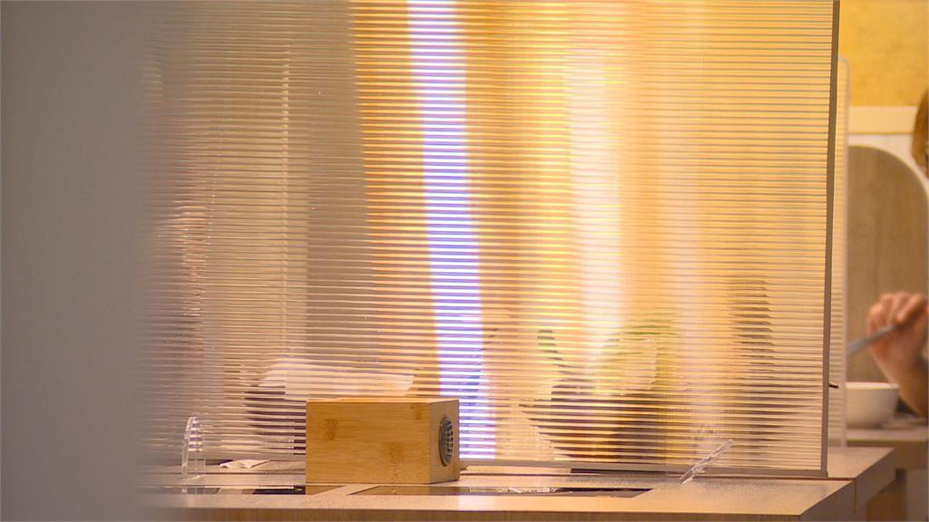 餐飲內用隔板防疫 保持室內通風是關鍵
