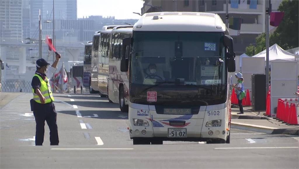 東京奧運各項賽事如火如荼的進行,但遇上颱風「尼伯特」攪局。圖/翻攝自AP Direct