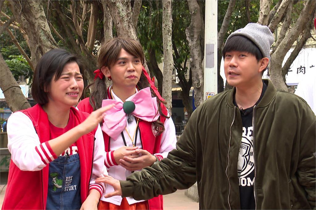 (右起)米可白-黃豪平-李岳。圖:台視
