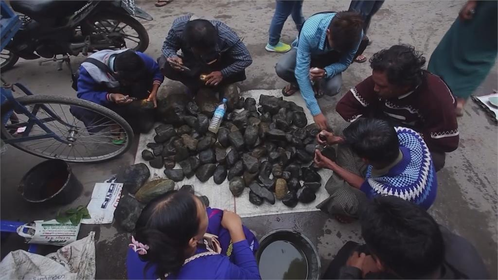 緬甸玉石利益龐大,不但能收買盟友,還能分化敵軍。圖:AP