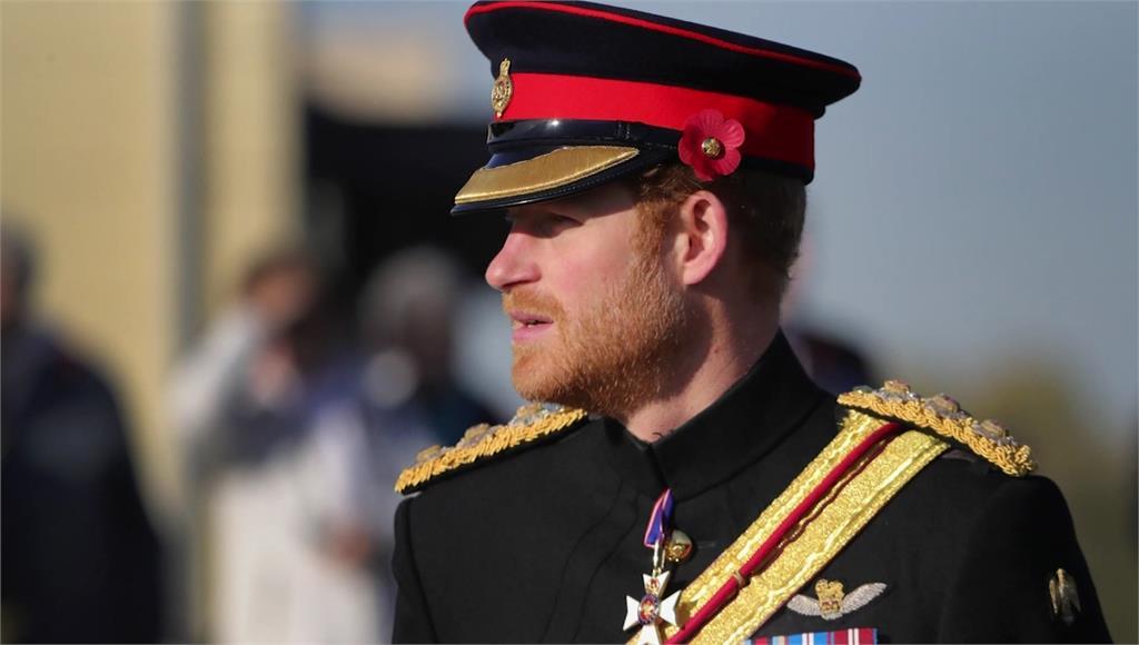 哈利形容過去皇室生活宛如《楚門的世界》。圖/翻攝自AP Direct