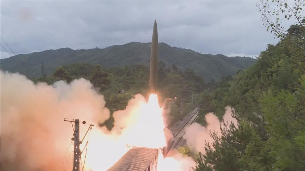 北韓今年頻繁進行飛彈試射,完全不理會國際制裁。圖:AP