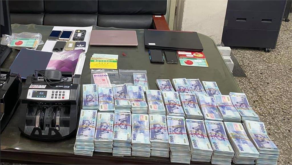 警方破獲2起詐騙集團金庫,當場查扣破千萬。圖:台視新聞