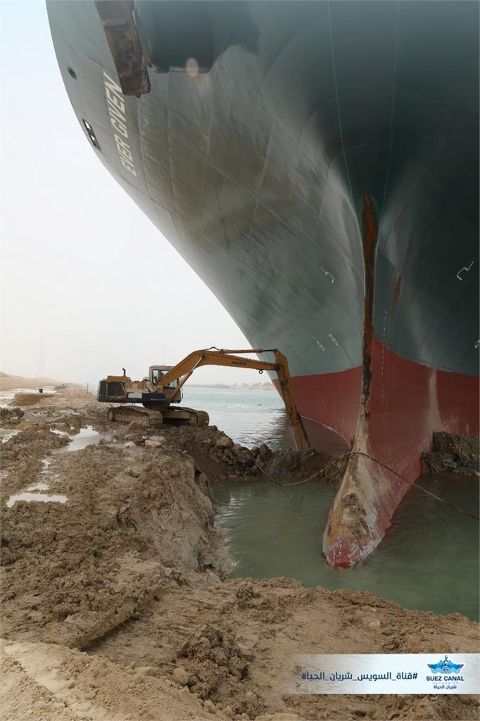 長榮貨櫃「長賜輪」已經擱淺第五天。圖/翻攝自SCA官網