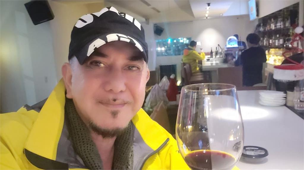 黃秋生返台臉書三個字報平安 網友留言「歡迎回來」