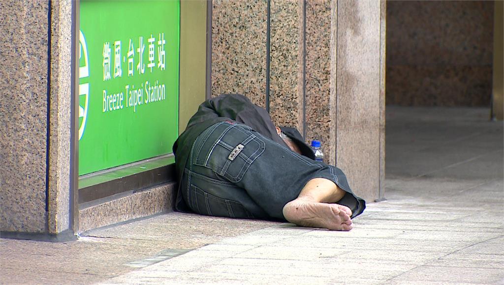 台北車站街友爆發群聚感染。圖/台視新聞