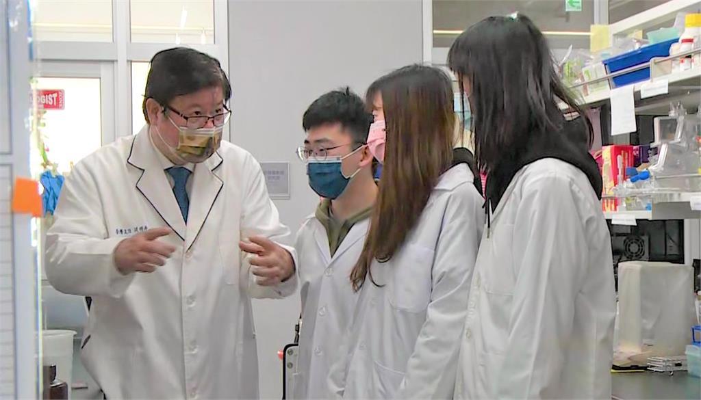 國內研究發現,單寧酸可抑制新冠病毒活性。圖/台視新聞