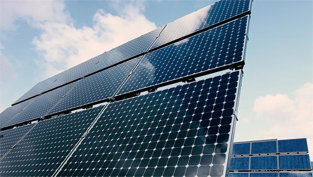 台電預備太陽能補足電力。圖/非凡新聞