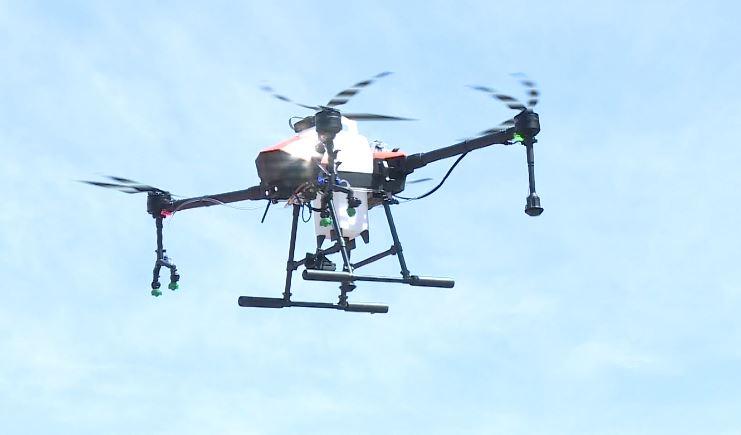 台中市府用噴灑農藥的空拍機,協助消毒。圖/台視新聞
