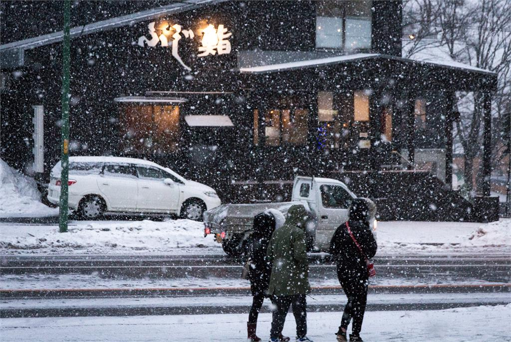 強烈寒流來勢洶洶,日本北海道、東北等地都開始降雪。圖:翻攝自unsplash