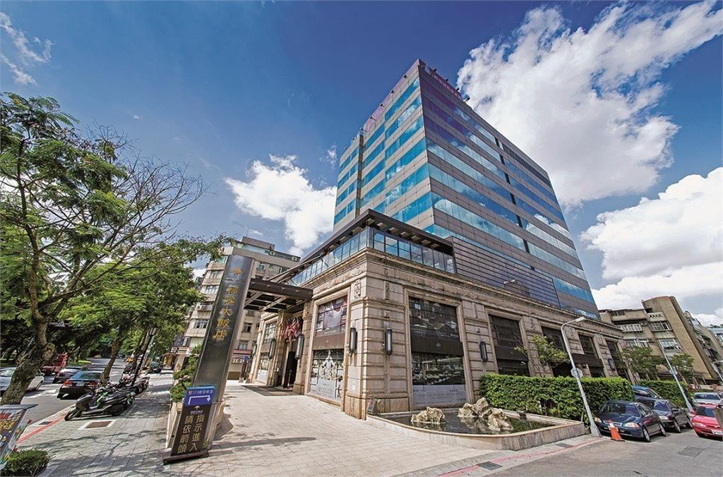 福容大飯店台北一館今(21)天宣布,將在9月1日起停止營業。圖/翻攝自Facebook@fullonhotels