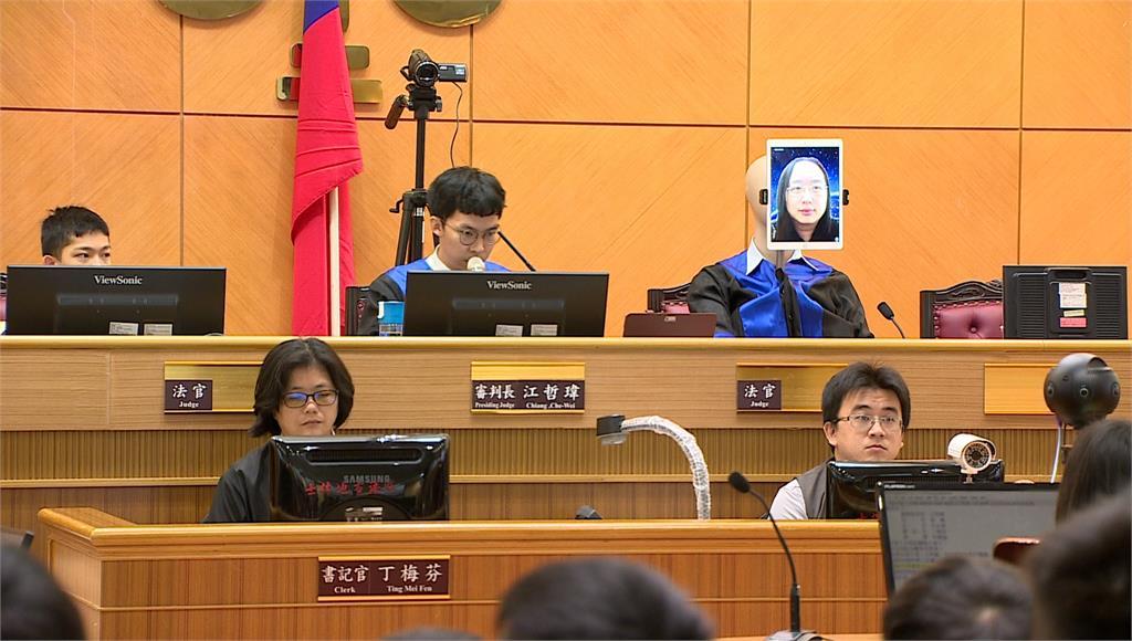 台北士林地方法院首創「模擬科技法庭」,讓法官透過視訊設備遠端訊問。圖:台視新聞
